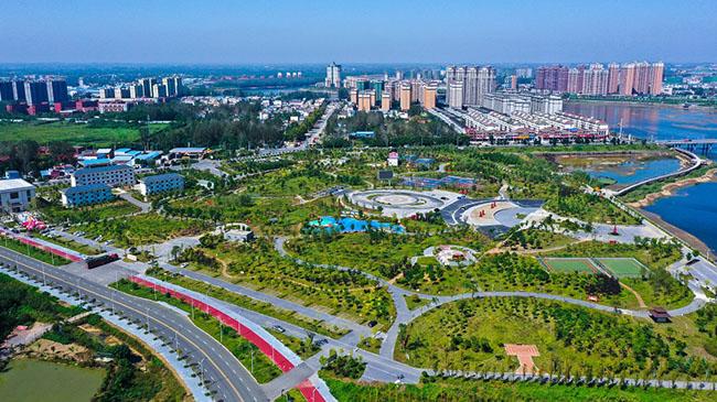 """河南光山: 河灘""""變身""""開放公園"""