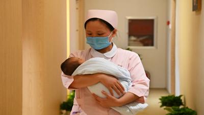 """一位母嬰護理師的中秋""""雲團圓"""""""